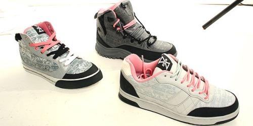 gravis-staple-sneaker-1.jpg