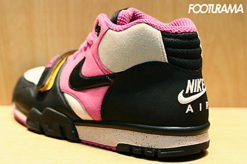 nike-air-trainer-1-black-pink-2.jpg